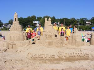 CastleGrande2013_E_Completion4_Group